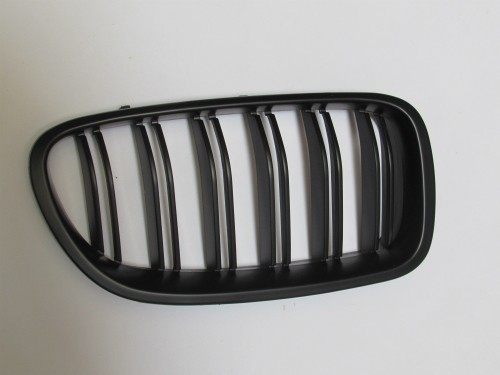 Grille F10 F11 Matte Black, Double Slats One Set