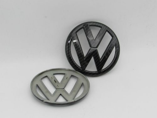 Emblem VW Model 11.2cm Carbon