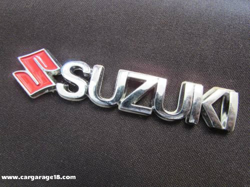 SIZE 85x15mm CHROME RED SUZUKI LETTER EMBLEM